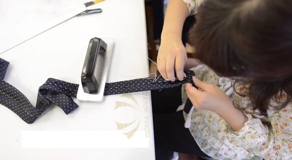 Dệt may cà vạt theo mẫu