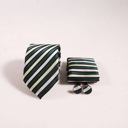 Hộp cà vạt xanh chấm bi trắng