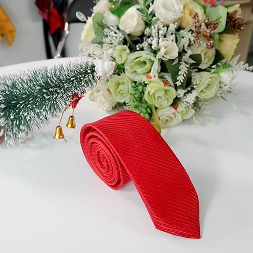 Mẫu cà vạt đỏ