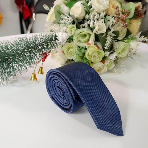 Cà vạt xanh
