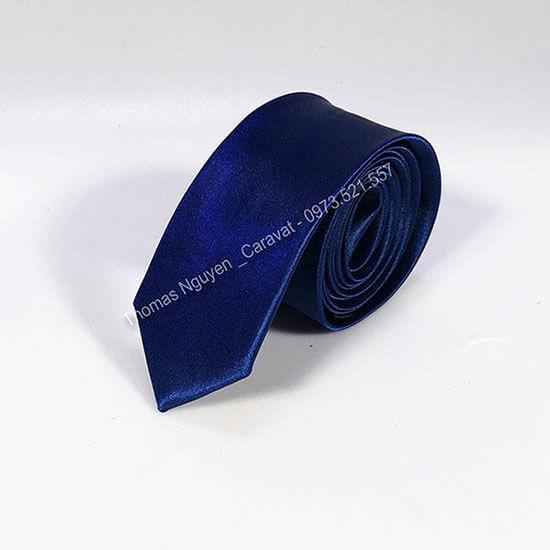 Cà vạt nam màu xanh dương