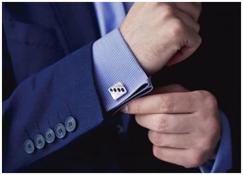 Măng sét kết hợp cùng áo sơ mi xanh
