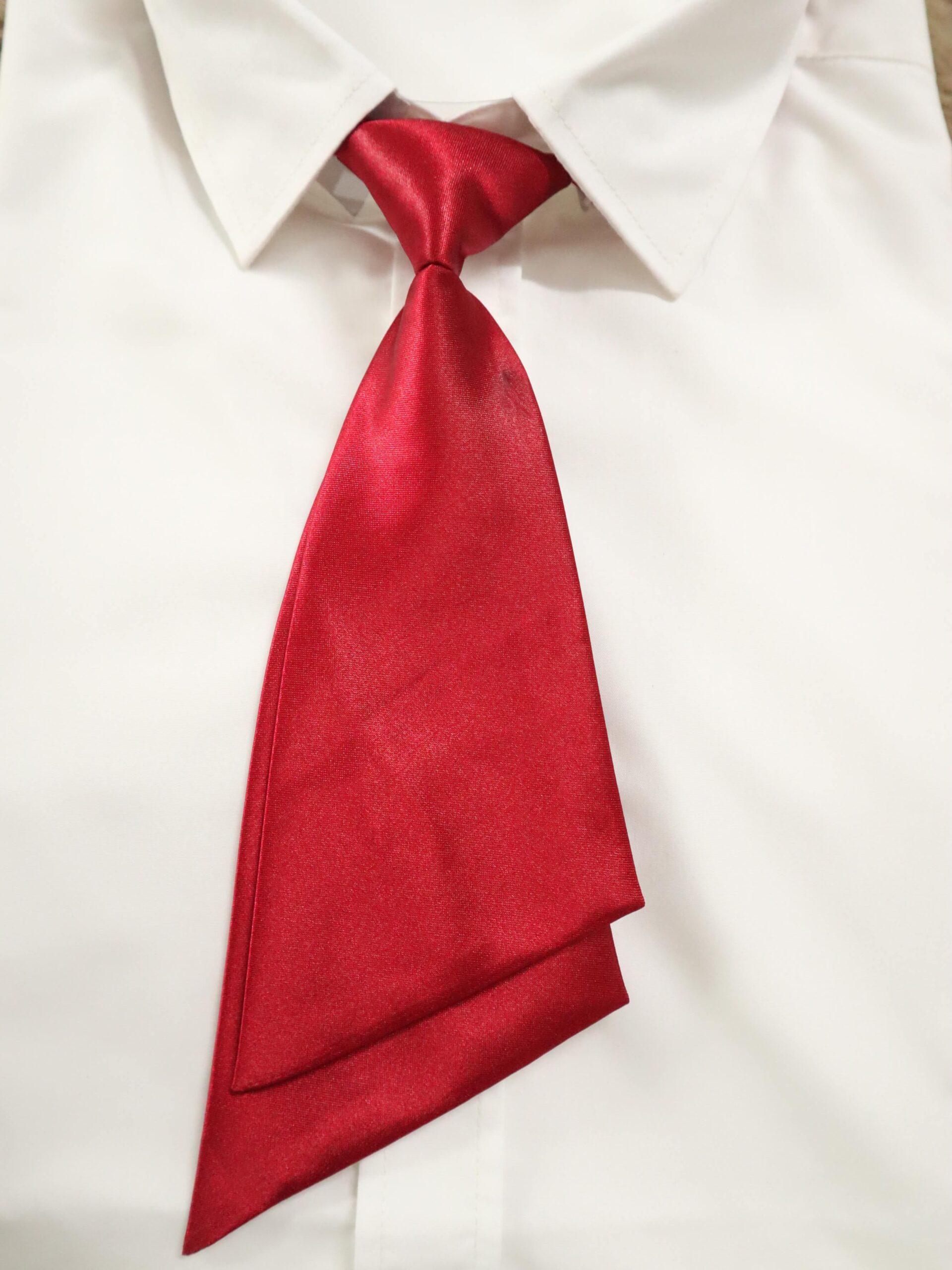 nơ vest nữ màu đỏ thomas nguyen