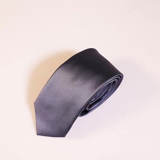 Lớp ngoài cà vạt nam giá rẻ