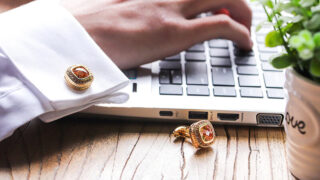 Khi nào nên đeo khuy măng sét nam? | Cách để chọn và sử dụng cặp cufflinks đẹp