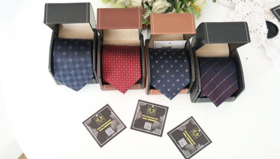 Caravat cao cấp | Cách phân biệt cà vạt lụa tơ tằm | Không nên bỏ qua