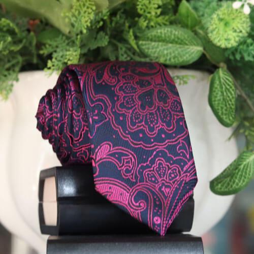 cà vạt bản nhỏ