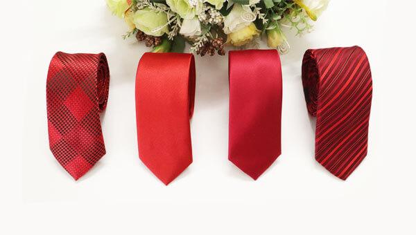 Thumbnail cà vạt đỏ