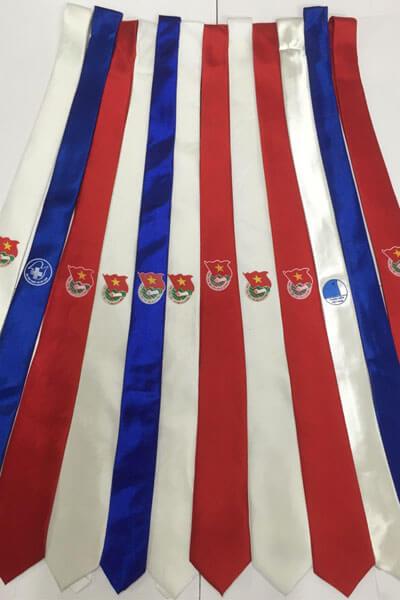 Màu cà vạt hội thanh niên