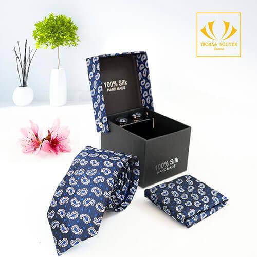 Bộ cà vạt xanh nay vy họa tiết