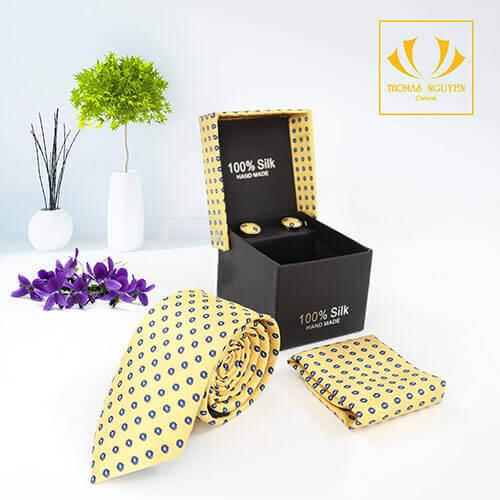 Bộ cà vạt họa tiết màu vàng