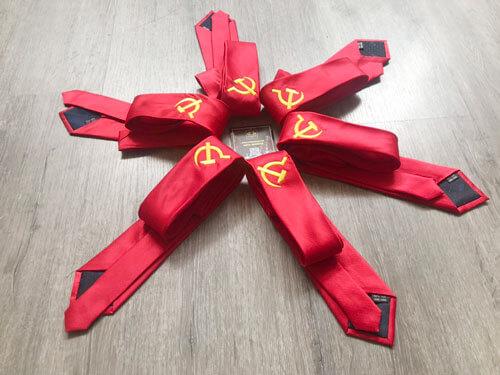 cà vạt đại hội Đảng