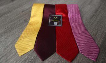 cà vạt tơ tằm