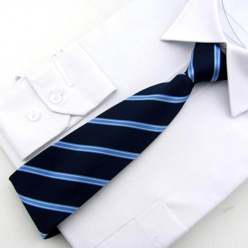 Ưu điểm cà vạt thắt sẵn