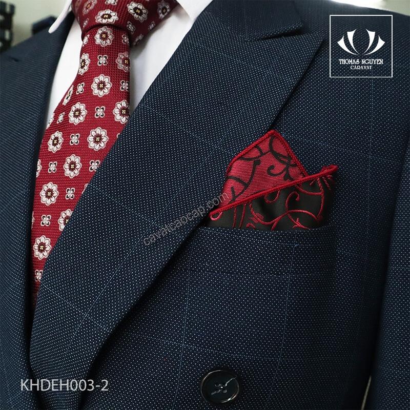 Khăn bỏ túi áo vest cùng màu với cà vạt