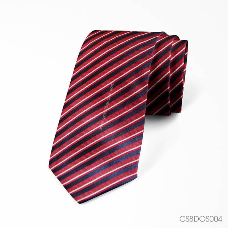 Các mẫu cà vạt đỏ Thomas Nguyen
