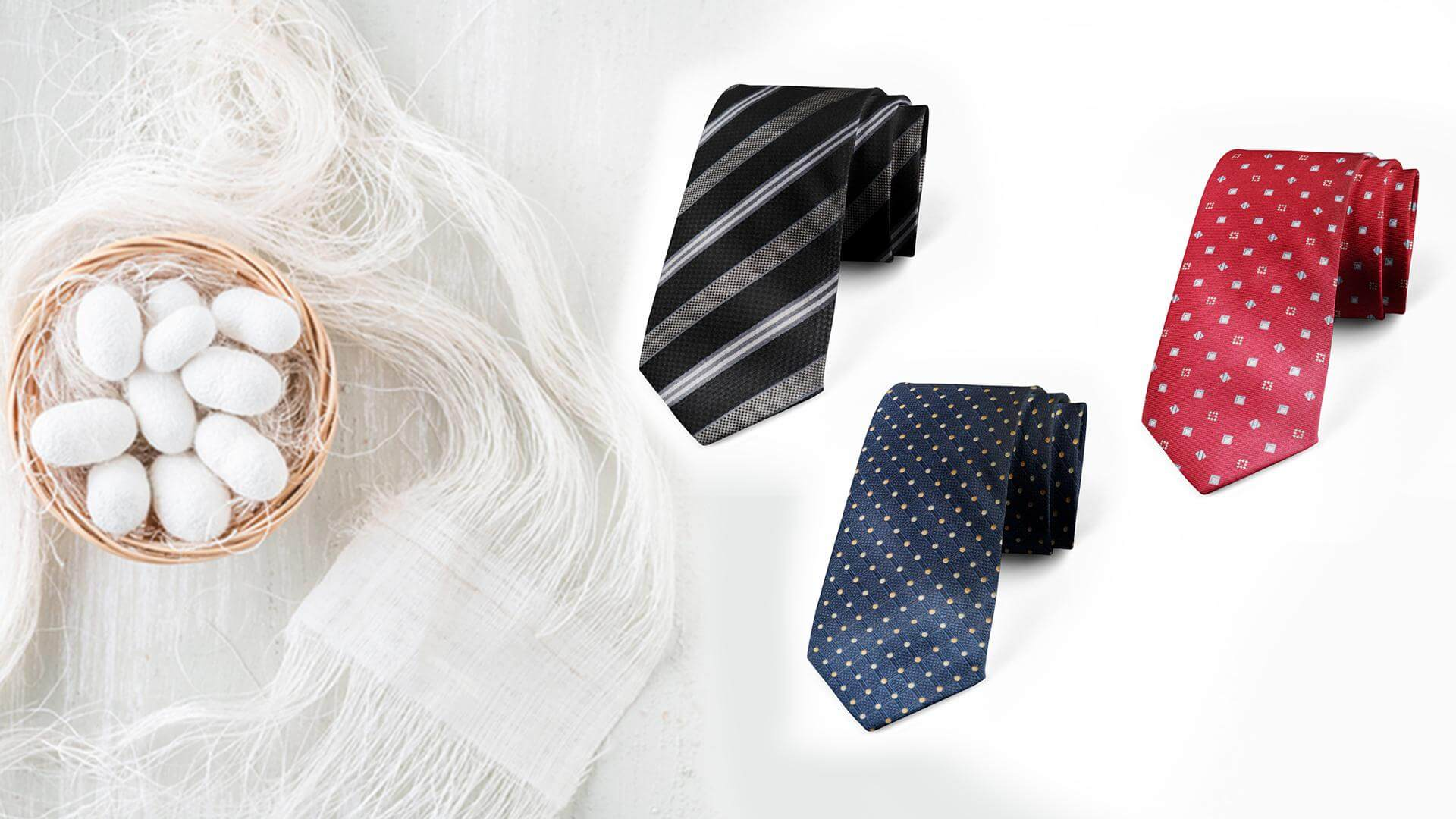Cavat lụa tơ tằm cao cấp là một phần không thể thiếu của trang phục