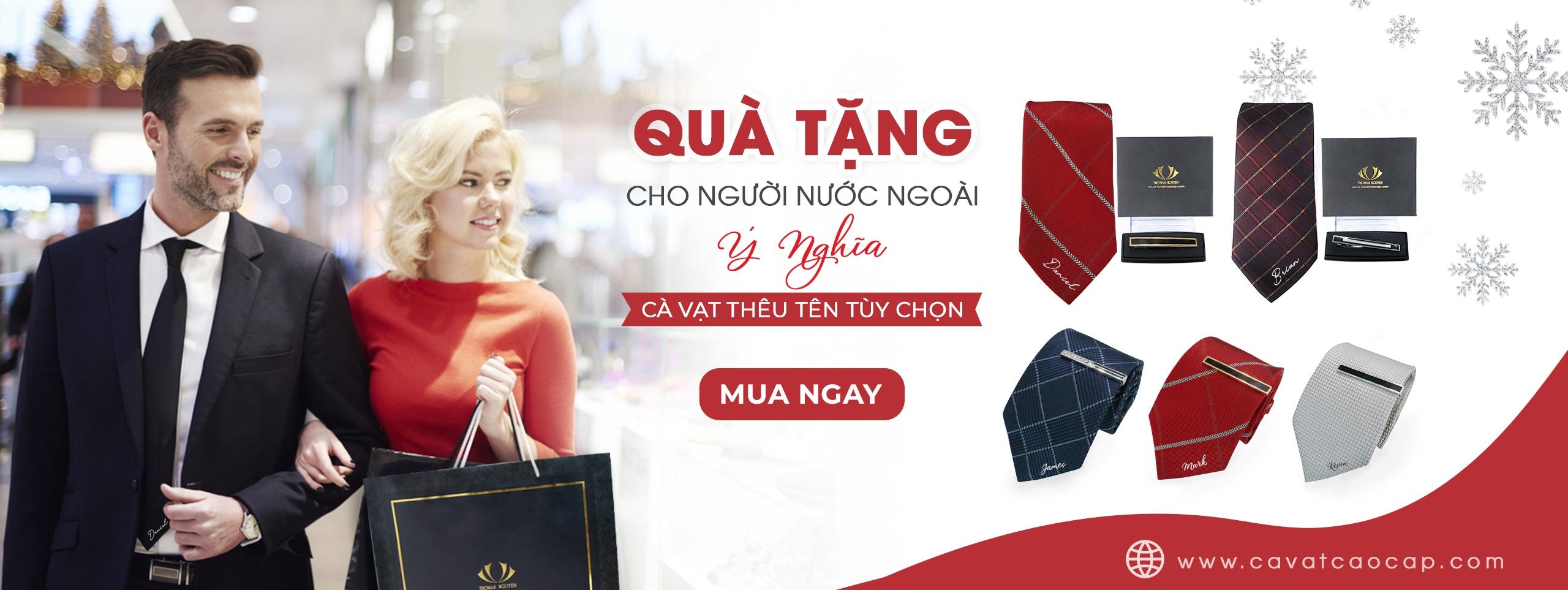 Quà tặng người nước ngoài cà vạt lụa tơ tằm thêu tên Thomas Nguyen