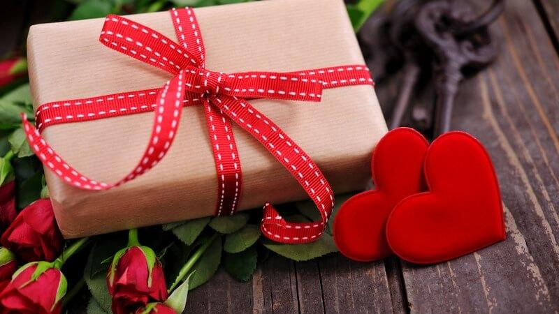 Viết gì lên thiệp khi mua quà tặng bạn trai