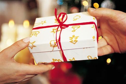 Mua quà tặng giáng sinh tặng bạn trai ở đâu?