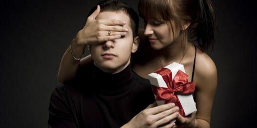 Ý nghĩa khi chọn cà vạt làm quà giáng sinhtặng bạn trai