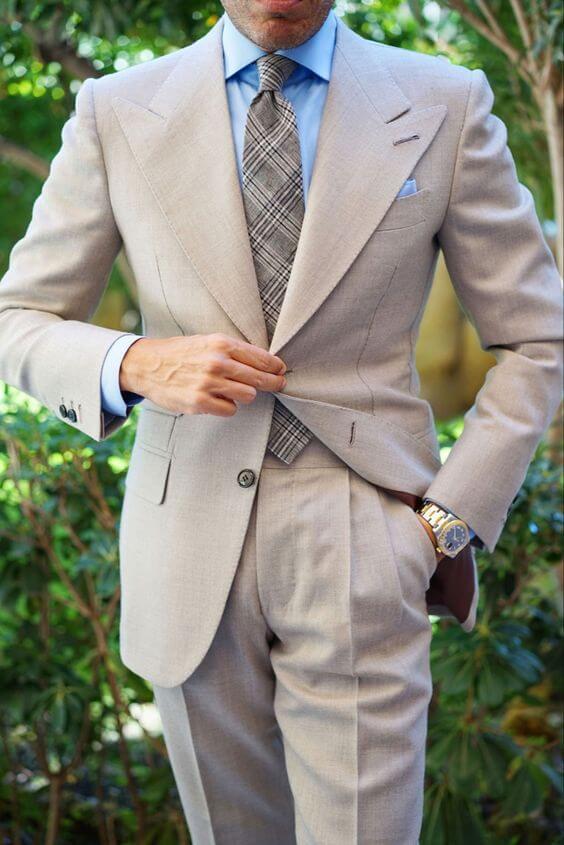kết hợp vest cùng cà vạt