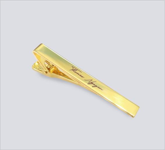 Kẹp cà vạt vàng kim khắc tên Thomas Nguyen
