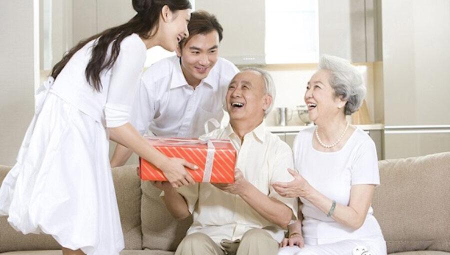 Dịp sinh nhật bố nên tặng quà gì?